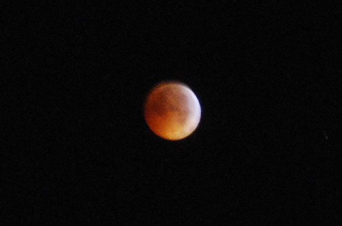 Solstice lunar eclipse, enlarged