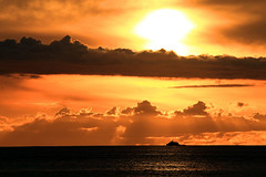 Sun set on Tenerife (Frank//) Tags: sunset vacation sky orange sun holiday topf25 frank zonsondergang spain topf50 topf75 europe tramonto sonnenuntergang sundown romance prdosol tenerife romantic puestadesol van topf100 viewcount puestadelsol  profoto  dongen   watmooi mrtungsten62 crepsculocoucherdusoleil  nekstime