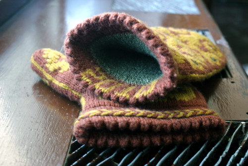 Ron's Flocked Mittens: Fini!