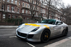 Historical Racing Livery. (Alex Penfold) Tags: ferrari 599 gto 2end 2 end super car supercar exotic sports fast exotica hpyer cars awesome supercars cool canon 450d alex penfold 2011 photo photograph photography picture camera shot image spot spotting spotter street historic historical racing livery silver yellow stripe london south kensington numberplate