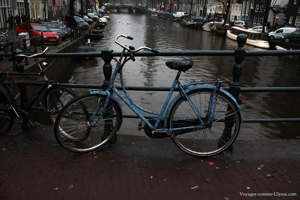 Un des nombreux vélos décorés de la ville