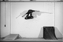 Ewoud Breukink: Wall Ride (tjeerd.derkink) Tags: bw brick wall canon blackwhite ramp ride skateboarding quarter vans burnside quarterpipe sekonic pocketwizard nikonsb28 l358 theshootout 5dmkii ewoudbreukink