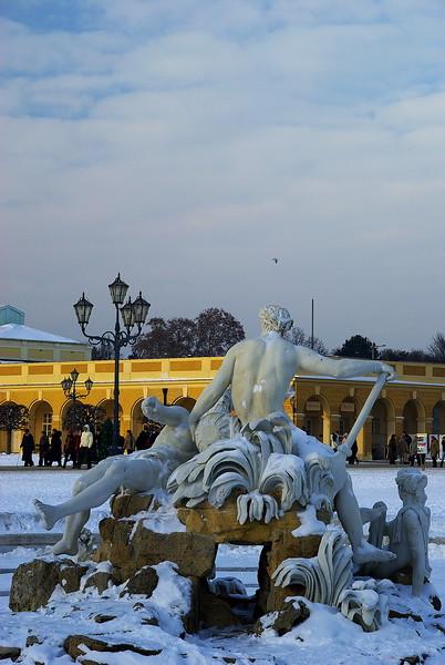 在這裡潛水時間實在太久,今天就來po一下吧!冬遊.印象.奧地利-迷人之黃金般宮殿-熊布