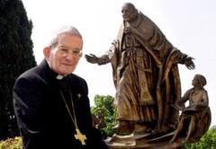 архиепископ Лорис Франческо Каповилла