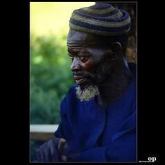 Le Chef du Village (Osvaldo_Zoom) Tags: africa portrait village kodak