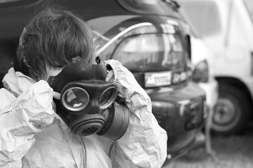 Teng Fei wearing her oxygen mask