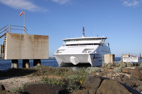 MV Sorrento arrives at the Queenscliff ferry berth