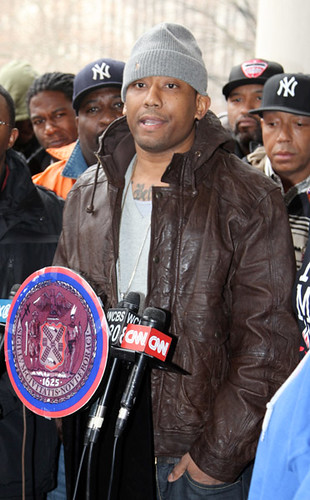 MAINO & RUSSELL SIMMONS AT A RALLY FOR STRICTER GUN CONTROL