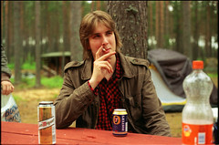 Teemu (Juha Helosuo) Tags: summer portrait people film beer beautiful field analog forest 35mm canon suomi finland island photography 50mm gold bottle dof midsummer kodak bokeh cigarette 14 grain smoking 200 135 dust expired depth tobacco teemu juhannus ftb kes kotka kaunissaari bblm babaloom