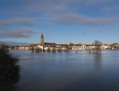 Deventer skyline (Wilma1962*) Tags: church buildings flood kerk overstroming huizen hoogwater mygearandmepremium mygearandmebronze mygearandmesilver mygearandmegold