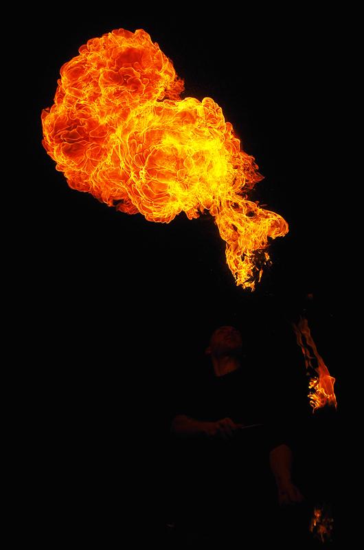 rencontre cracheur de feu au palais de tokyo 5380566052_3d3f195a83_o