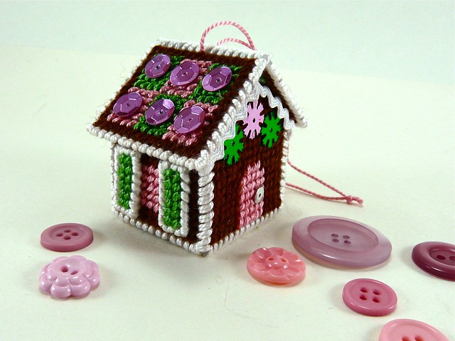 How to Make a Tiny Gingerbread House Ornament (from Plastic Canvas!)