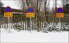 No parking (is that clear?) (leo.roos) Tags: winter snow netherlands sign monster minolta parking sneeuw westland verkeersbord zuidholland a900 parkeerverbod darosa westerhonk minolta173535 leoroos