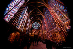 Sainte Chapelle from Paris-50 (christian_jacquet) Tags: paris france church louis king catholic religion gothic 9 stainedglass saintlouis blanche gothique chapelle saintechapelle roi 1242 architecte vitraux moyenage castille catholique architec 1248 pierredemontreuil royaute middleadge windowscarlzeiss