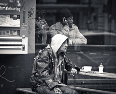 Just look around (adde adesokan) Tags: street candid hamburg streetphotography olympus sternschanze schanze streetphotographer m43 mft mirrorless microfourthirds theblackstar mirrorlesscamera streettogs