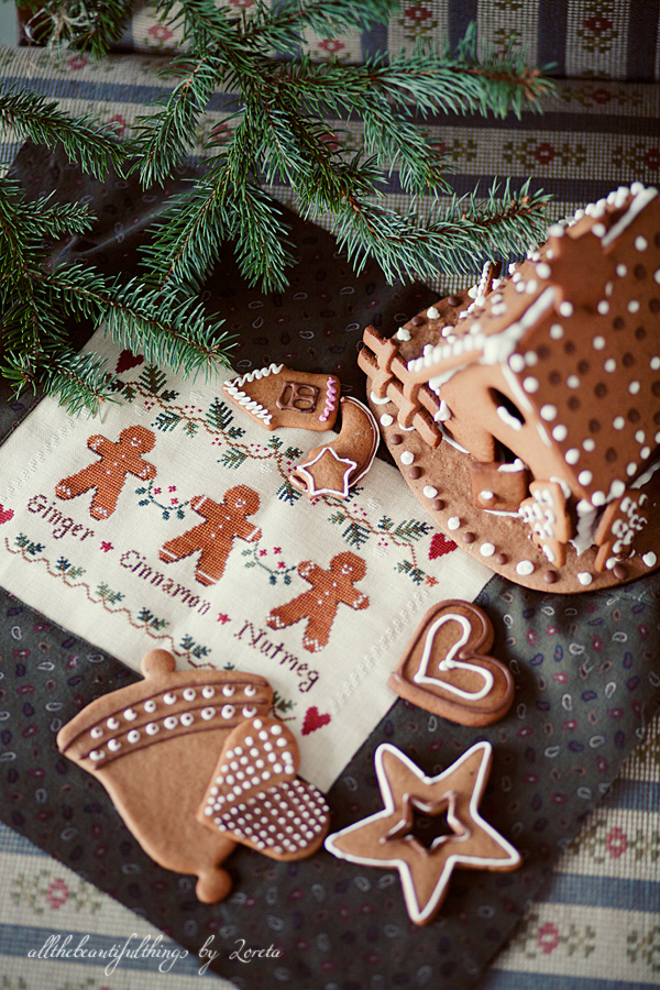Gingerbread Trio (Little House Needleworks)
