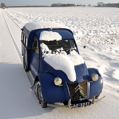 More snow... (CitroenAZU) Tags: blue schnee winter snow blauw hiver sneeuw citroen bleu 2cv blau niege tiretracks azu