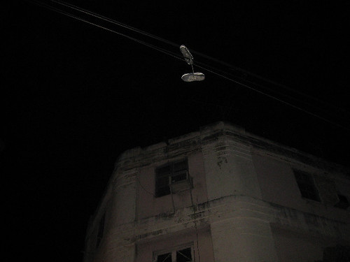 Shoefiti in Havanna, Cuba - May 2010