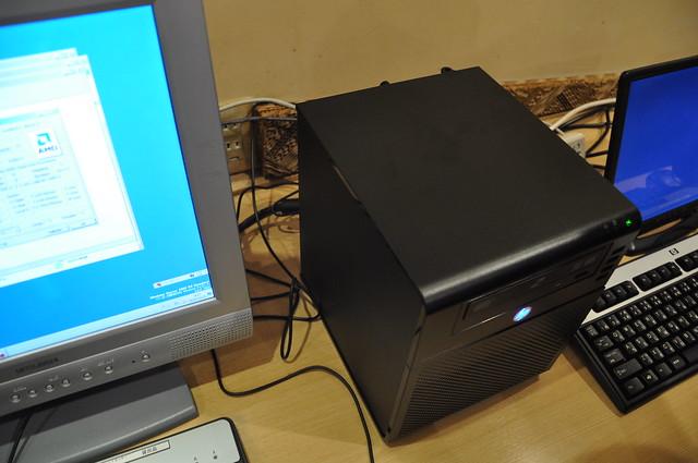 HP ProLiant MicroServer Cafe @AKIHABARA_014