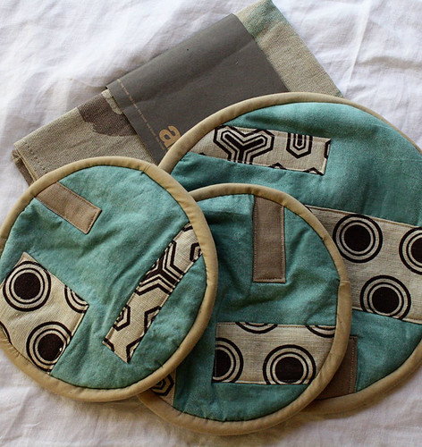 Potholders, trivet and teatowel
