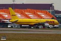 G-BMRD - 24073 - DHL Air - Boeing 757-236SF - Luton - 100215 - Steven Gray - IMG_7160