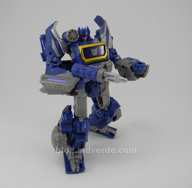 Transformers Cybertronian Soundwave Generations Deluxe - modo robot