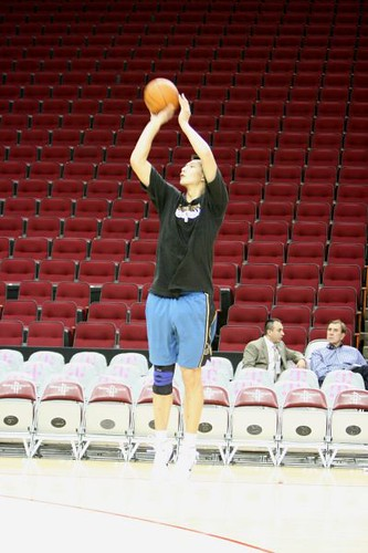 December 27th, 2010 - Yi Jianlian shoots in practice before the Rockets-Wizards game