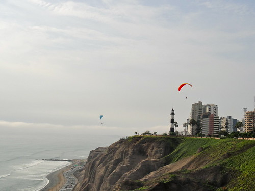Paragliders in Miraflores