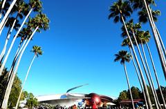 space (madalena.leles) Tags: sky usa orlando epcot missionspace december unitedstates florida cu eua dezembro mco coqueiro 2010 estadosunidos