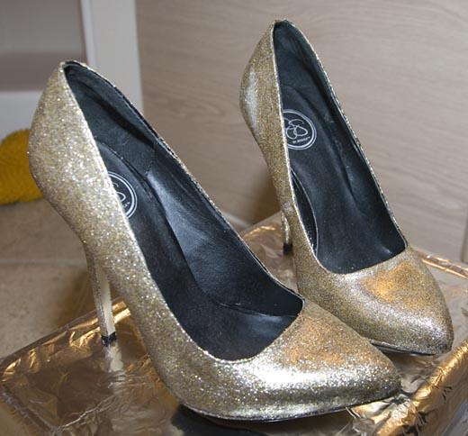 DIY GlitterShoes6