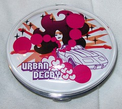 Urban Decay Deluxe Eyeshadow Sting