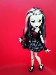 Frankie Stein 2 (Somewhere Around Nothing) Tags: monster high doll dracula frankie plastic figure stein mattel frankestein mosnters frakestein