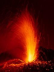 Attivit Stromboliana (Vulcanian) Tags: volcano lava nikon crater sicily etna eruption sicilia magma vulcano cratere lavaflow eruzione colatalavica