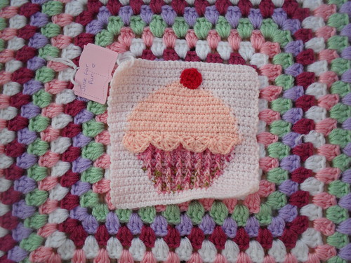 A cup cake Square, isn't this just lovely!........ Thanks so much for all the beautiful Squares mandas' challenges!