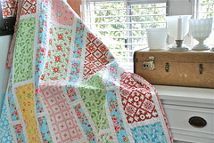 Project Rectangle - aka Rectangle Reverie (photo & machine quilting  by Sarah Murray of AnyoneCanQuilt.com)