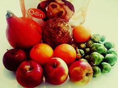 Odin 03-12-10: pompoen, knolselderij, spruiten, Navelina-sinaasappels en appels