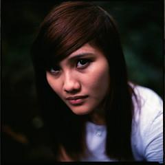 (19/77) Tags: portrait woman slr film girl malaysia 1977 negativescan kiev88 mediumfromat kodakektacolorpro160 autaut canoscan8800f arsat80mmf28 myasin