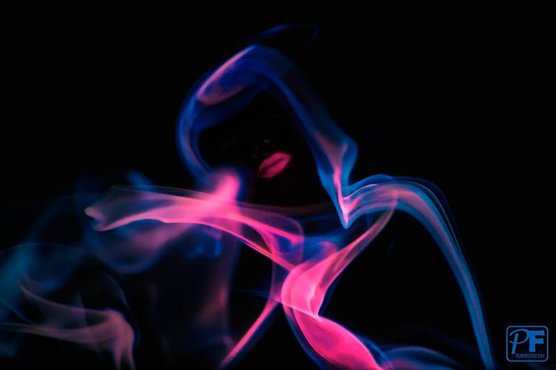 Rita Hayworth - jugando con humo