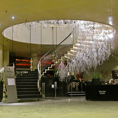 SAS Royal Hotel VI (hansn) Tags: stairs copenhagen square denmark arnejacobsen europa europe interior architect danmark kbenhavn interir royalhotel kpenhamn trappa squarish arkitekt sasroyalhotel