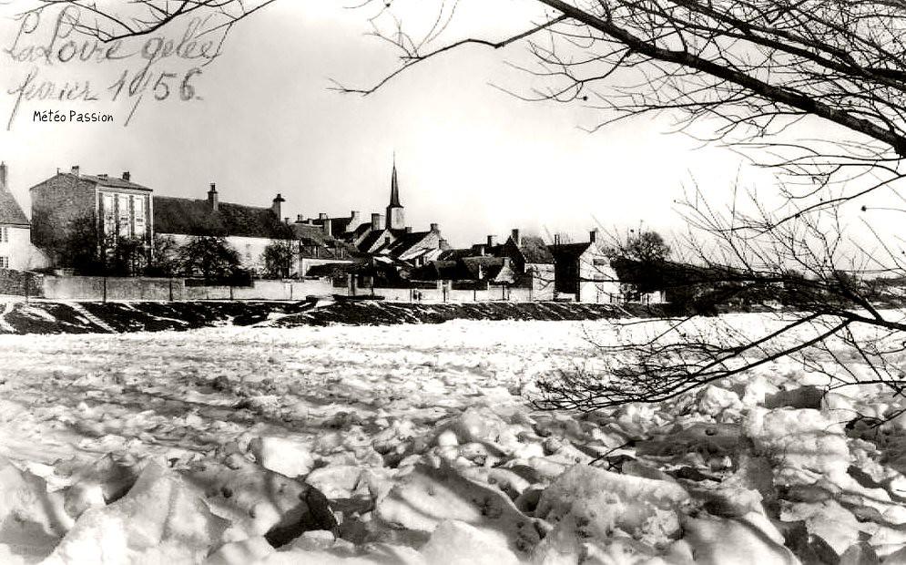 glaces sur la Loire gelée à Ousson pendant la vague de froid de février 1956