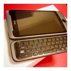 鍵盤控買了一台 HTC Desire Z