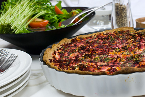 Rotfruktspaj med sallad. Foto: Dominique Forssman, Middagsfrid.