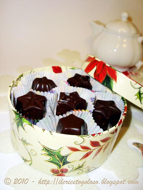 Cioccolatini ripieni alle mandorle