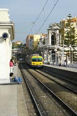 Estoril (Tiago Alves Miranda) Tags: portugal station train eclipse track via emu cp alstom esl gec estao comboio estoril automotora suburbano 3250 estaotemporria emef linhadecascais sorefame tiagoalvesmiranda