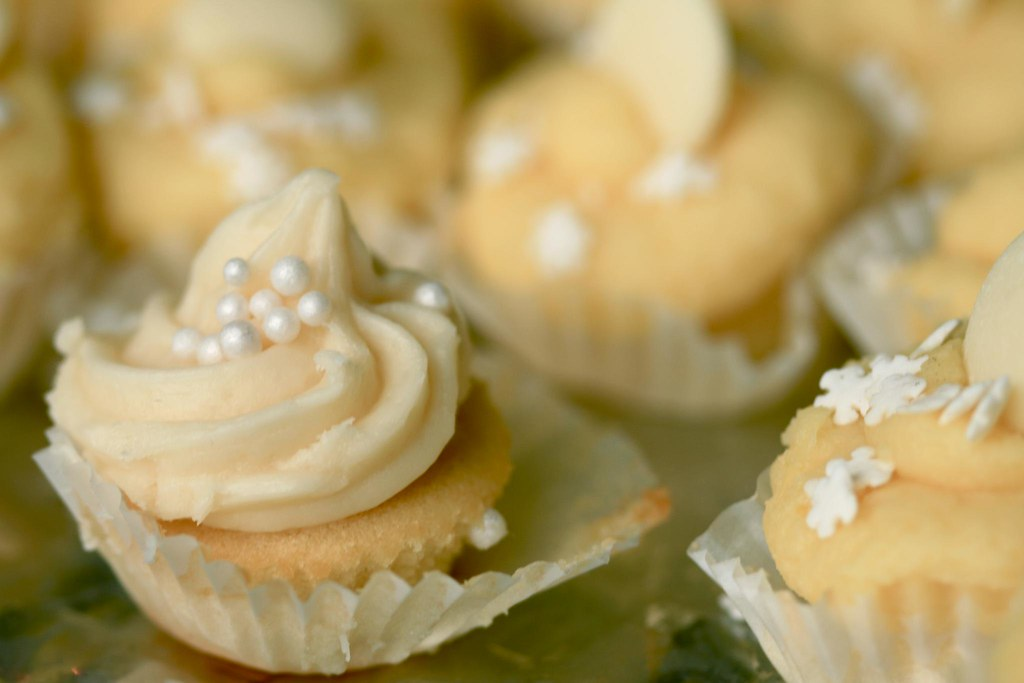 too many mini cupcakes