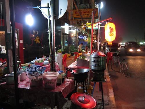 uliczny stragan z jedzeniem