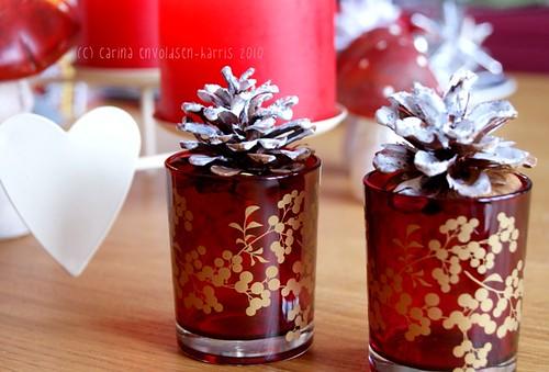 Wintery pine cones