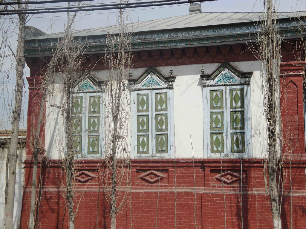 yining muslim The harsh reality of china's muslim divide the muslim hui people have assimilated harmoniously with the han majority, while uighurs in the west have not.
