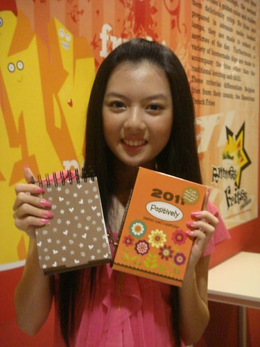 Chee Li Kee with memo pad