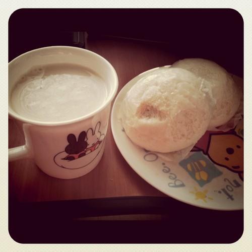 Milk & Hobbang
